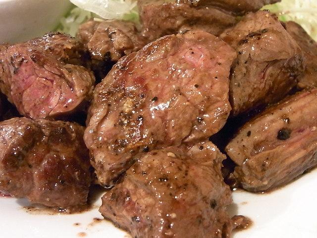 炭火焼肉 ぎゅうぎゅう - 成型肉ではなく噛み応えのある赤身のお肉☆♪