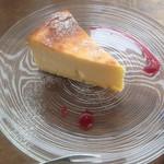 ヒトメクリ - ベイクドチーズケーキ(426円+税)