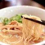 キラメキノトリ - 鶏白湯らーめんの麺 '14 9月上旬
