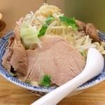 30897414 - 【再訪】らーめん(大) 肉増し、ニンニク・しょうが入