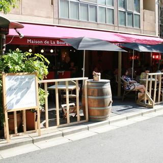 神楽坂にたたずむ気取らないフレンチレストランです