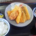 30899079 - 地魚フライ定食1,200円