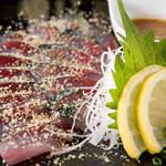 恵比寿さばと鶏白湯スープ炊き餃子 天神酒場ぬくぬく家 - 博多ではおなじみのサバのお刺身!当店のごまサバは一味も二味も違います!!