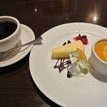 TRATTORIA LA PACCHIA - 本日のデザート&コーヒー