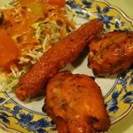 ダルマ - タンドールチキン、シシカバブ、サラダ