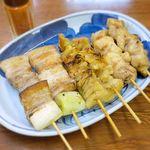 地鳥屋 - 料理写真:やきとり3本1皿 ¥400