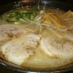 ラーメンばか馬 - チャーシュー麺