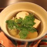 嵯峨野 - 椀物:松茸の土瓶蒸し