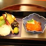 嵯峨野 - 先付:いかの寿司、田楽なす、おくら、えび、すじこ