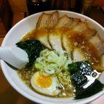 大島ラーメン - 醤油チャーシュー麺 ¥900