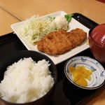 花つつじ - とんかつ定食 620円(税抜き)