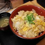 花つつじ - 親子丼 524円(税抜き)