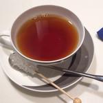 ロカンダ - 添えられたスティックシュガーが可愛いホットの紅茶
