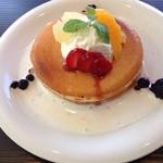 代官山パンケーキカフェClover's - フルーツパンケーキ