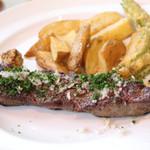 ビストロ アンバロン - ランチコース・メインの肉料理、牛のバヴェットステーキ