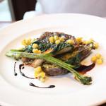 ビストロ アンバロン - ランチコース・メインの魚料理・マトウ鯛のポワレ