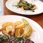 ビストロ アンバロン - ランチコースの肉料理と魚料理
