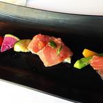30927984 - ランチ前菜:本日鮮魚のカルパッチョ たっぷり旬のお野菜と一緒に