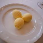 フレンチレストラン 千秋亭 - バター キレイです☆ 一つ一つ形どっているのだとか・・・
