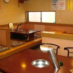 吉四夢 - テーブル(2席)と小上がり(2席)