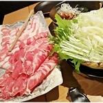 豚っく - 豚とらむ肉のしゃぶしゃぶ。どちらも柔らかく、味もしっかりしてます。
