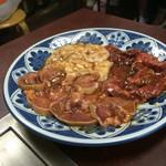 焼肉 大衆 - 豚タン、ホルモン、ジンギスカン