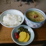 高森田楽保存会 - コースのとうきび飯、だご汁、香物