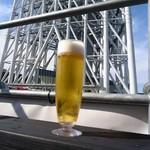 piccole lampare & rooftop Sky Bar - ランチ生ビール500円と東京スカイツリー