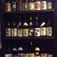 食と酒 のこのこ - 焼酎は写真にないものも含め約30種類を常備しております。