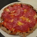 焼津 大切な人と行くイタリアン料理 ヴェント - サラミのピザ