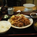 30955624 -  鶏の竜田揚げ定食です。ご飯が宮城県産のササニシキである上に、鶏肉も大山地鶏というこだわりようです。