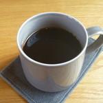 ブローティッド - ドリンク写真:旬のストレートコーヒー (コロンビア)