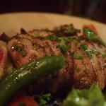 ラ・マーノ - 鴨の燻製サラダ