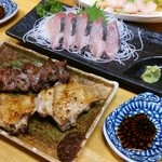 大仙 - 料理写真:焼き鳥は塩で頼むと味噌がついてきます