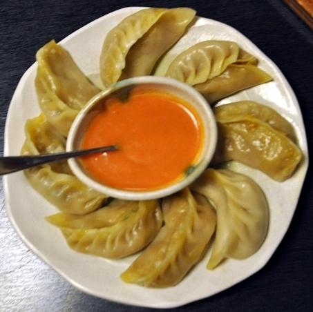 ネパール家庭料理 ホワイトヒマラヤ - ベジタブルモモ