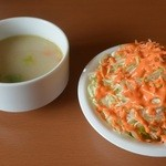 30972896 - セットのスープとサラダ