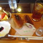 亀屋珈琲店 - 料理写真:ランチタイムセット