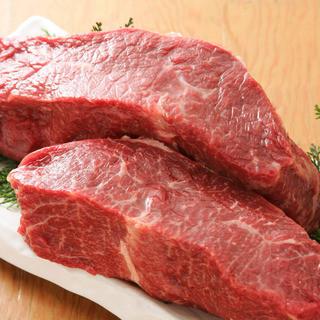 誰もが憧れる肉の最高峰!A5山形牛