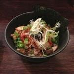 麺や 紡 - キムチ丼 350円