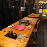 島吉 - 木を基調とした昭和の雰囲気