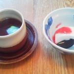 櫓庵治 - ランチデザートの紅茶と杏仁豆腐
