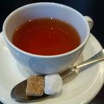 パティスリー グラモウディーズ - ☆温かい紅茶でホッと一息!(^^)!☆