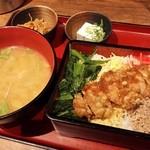 ぢどっこ - 鶏重御膳800円