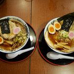 旭川らぅめん青葉 - 比較(左:普通の醤油、右:青葉スペシャル(醤油))