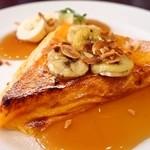カフェ フェイト - 料理写真:焦がしバターとキャラメルアーモンドフレンチトースト