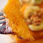 カフェ フェイト - 焦がしバターとキャラメルアーモンドフレンチトースト