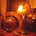 フレーズ - 内観写真:カウンターの隅にあるライト