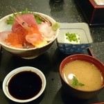 やまや - ランチ海鮮丼 650円