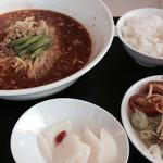 薫風飯店 - ランチ 担担麺