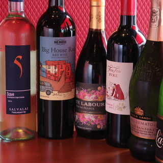 コスパ◎グラスワインは400円~☆持ち込みもOKです♪